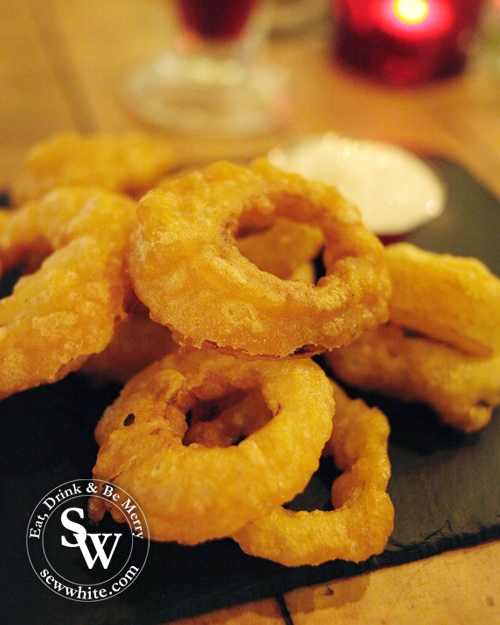 golden delicious onion rings for a pre theatre meal in Wimbledon