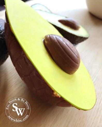 How to make an Avocado Easter egg at home with Creme Eggs