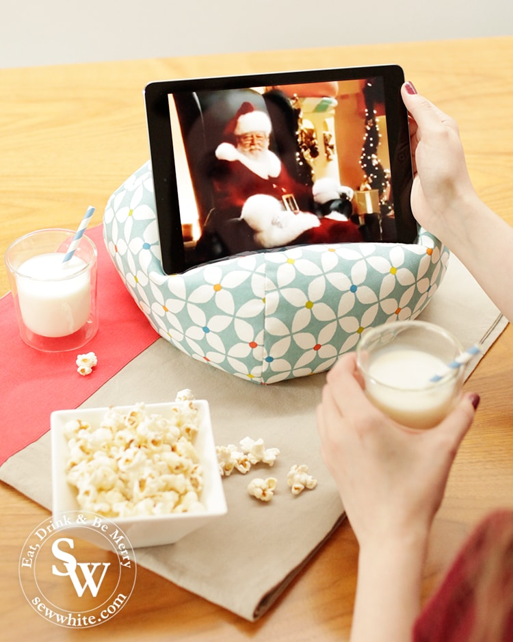 Christmas Movies with the iBeani at in the Top 5 Gifts for a Family Christmas 2019