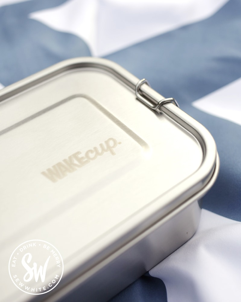 silver metal wakecup lunchbox