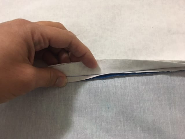 How to Sew an Enclosed Zipper to Your Bag Pocket