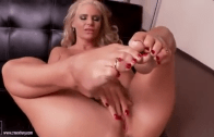 PHOENIX MARIE – FOOT LOVERS