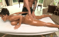 MASSAGE BECOME DEEP BUTTH WITH LISA ANN