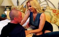My Step-Mom Wants my Cock – Julia Ann