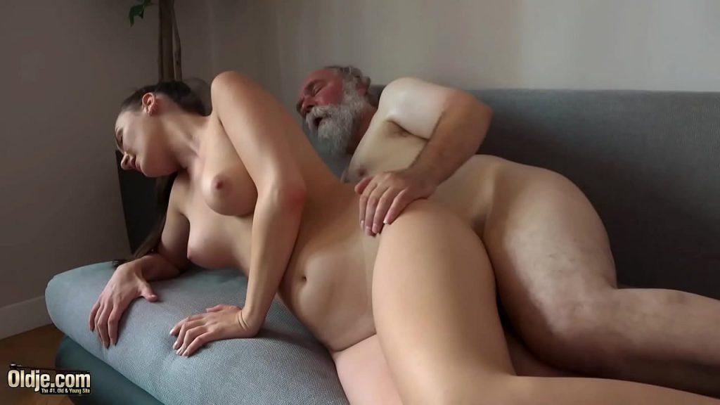 Pagou aluguel com sexo