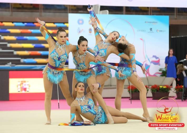 El conjunto español al inicio de su ejercicio (Fuente: Facebook de Foto Sport)