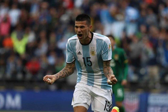 Cuesta convirtió su 1° gol con Argentina. Vía @DeporrtesIFC3