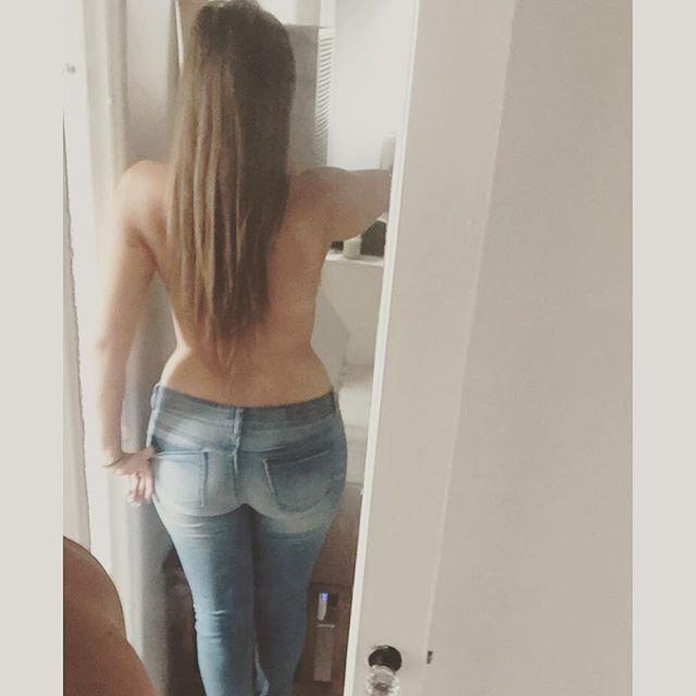 GabbieShowCleav (24)