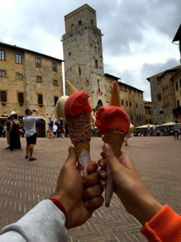 Dünyanın en iyi dondurması unvanına sahip olan Gelateria Dondoli'de dondurma yemeden San Gimignano'dan ayrılmayın