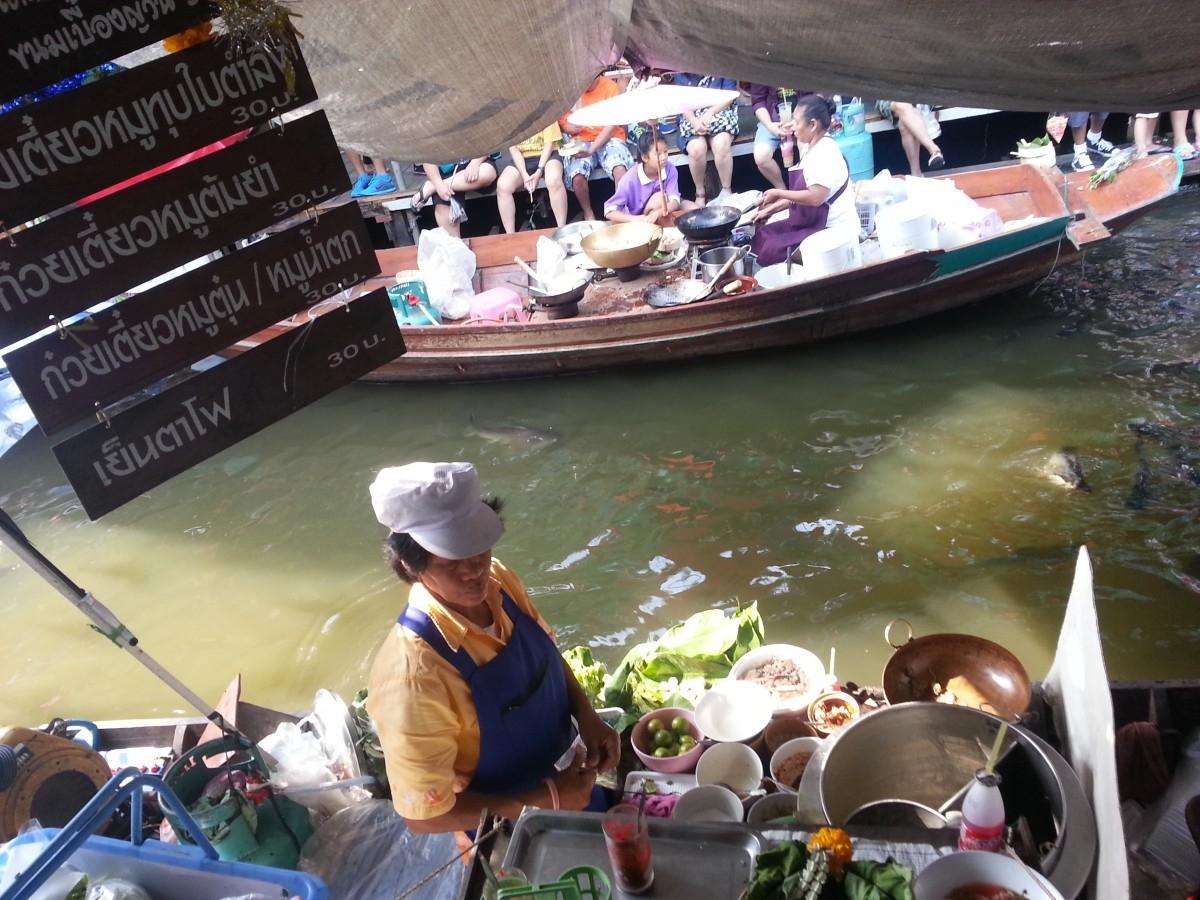 Bangkok'ta Görülecek Yerler; Floating Market (Yüzen Çarşı)