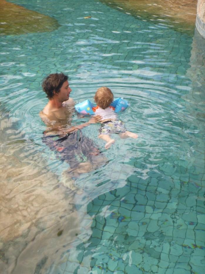 Swimming pool Constance Lemuria Hotel