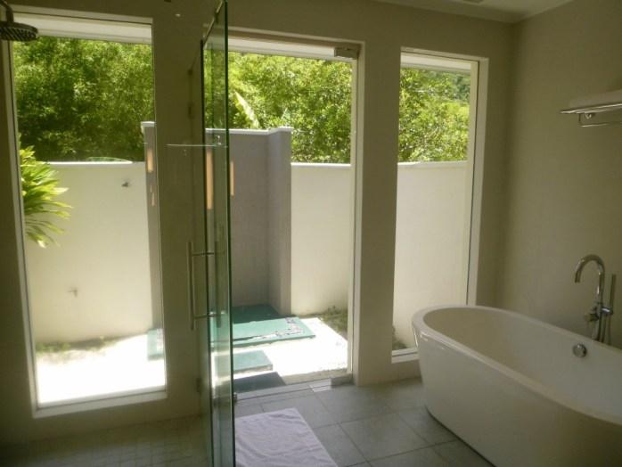Bathroom King Garden Villa Hilton Labriz Silhouette Island