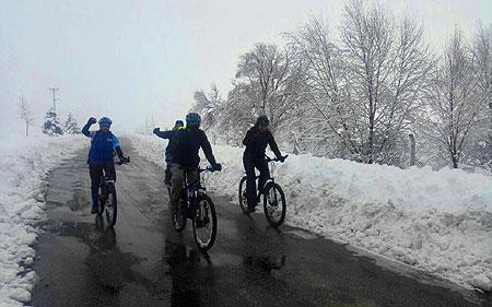 Karda Bisikletçiler