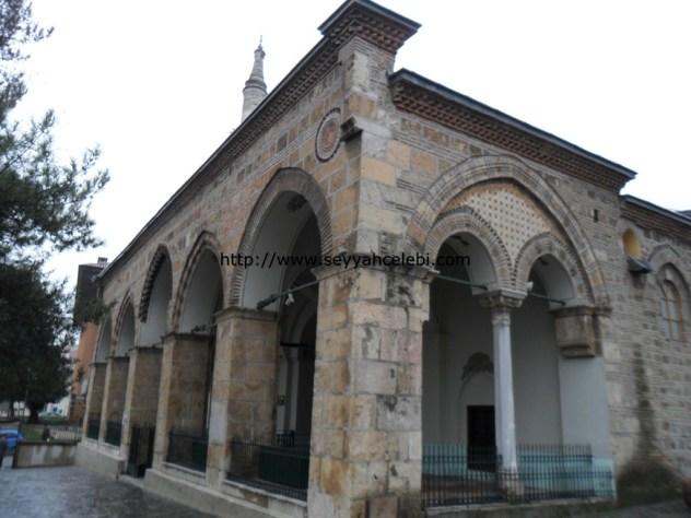 Gazi Orhan Cami Giriş Minare