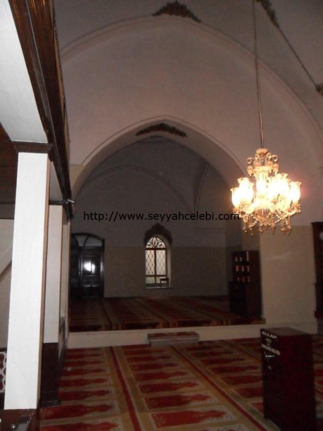 Gazi Orhan Cami Sol Kısım