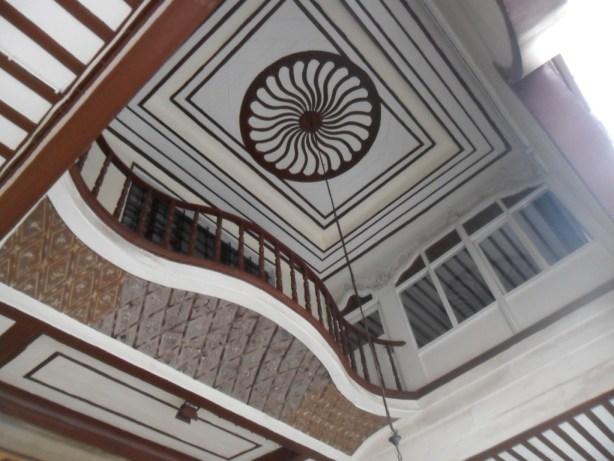 Emir Sultan Cami Dış Tavan Süslemeleri
