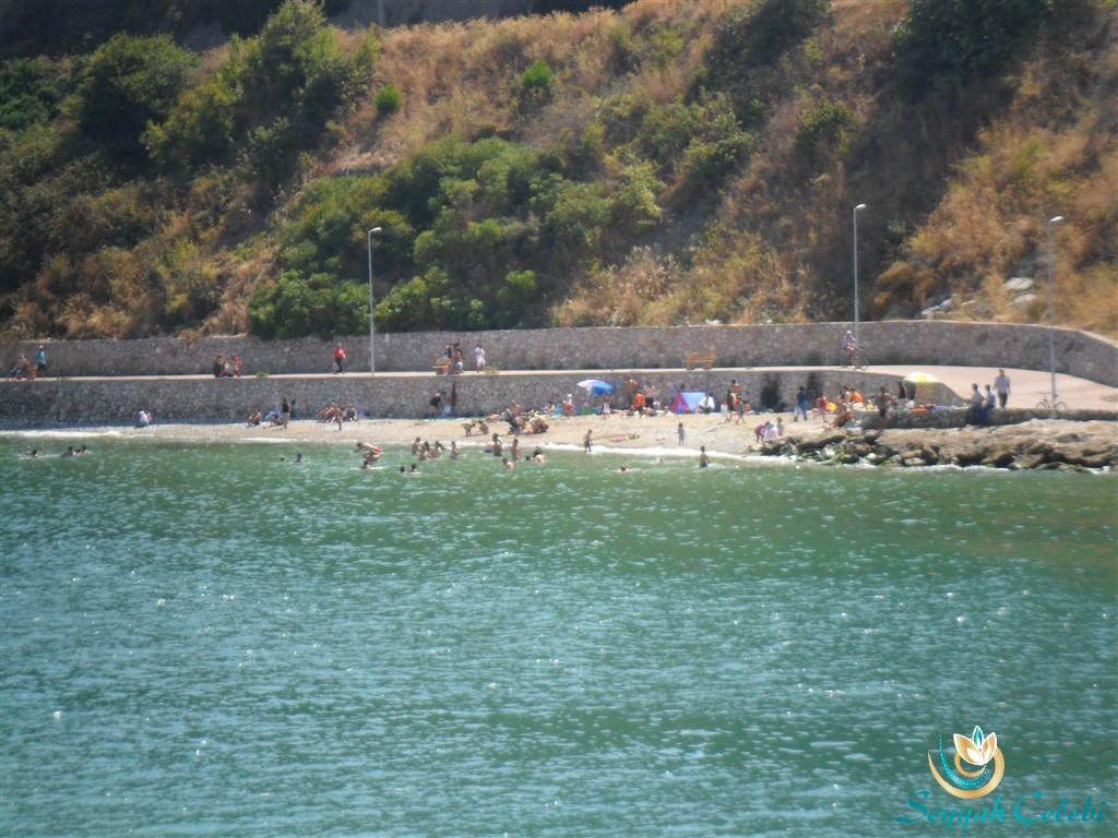 Güzelyalı Burgaz Sahili Plajı Kumsalı