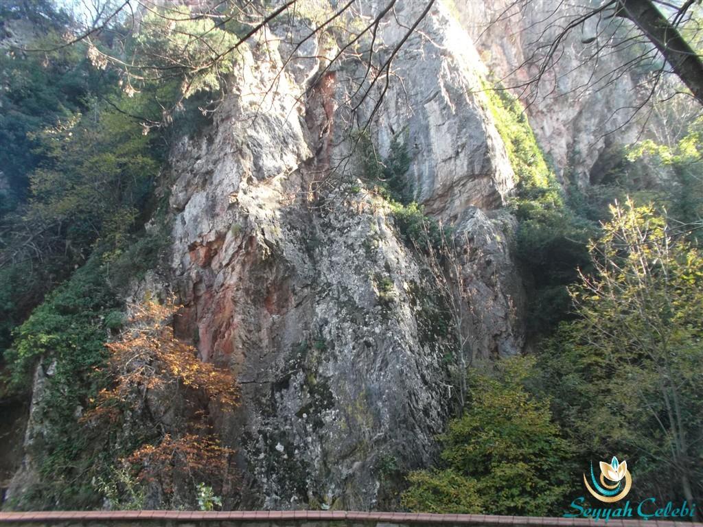 Oylat Mağarası Dağı