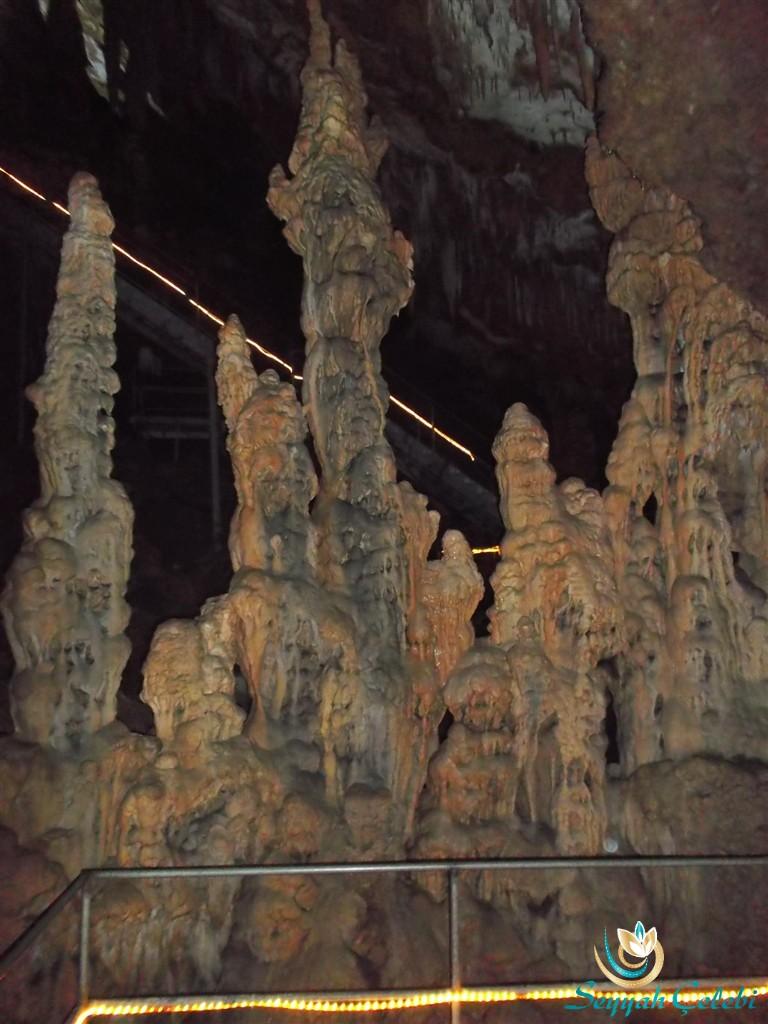 Oylat Mağarası Dikitleri