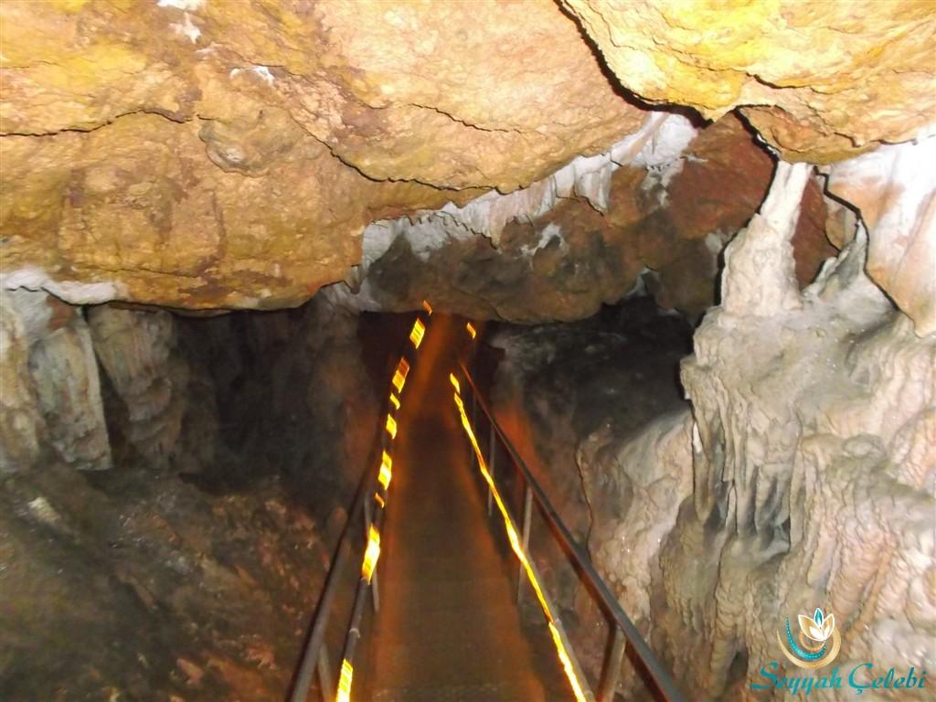Oylat Mağarası İç Yüzeyleri