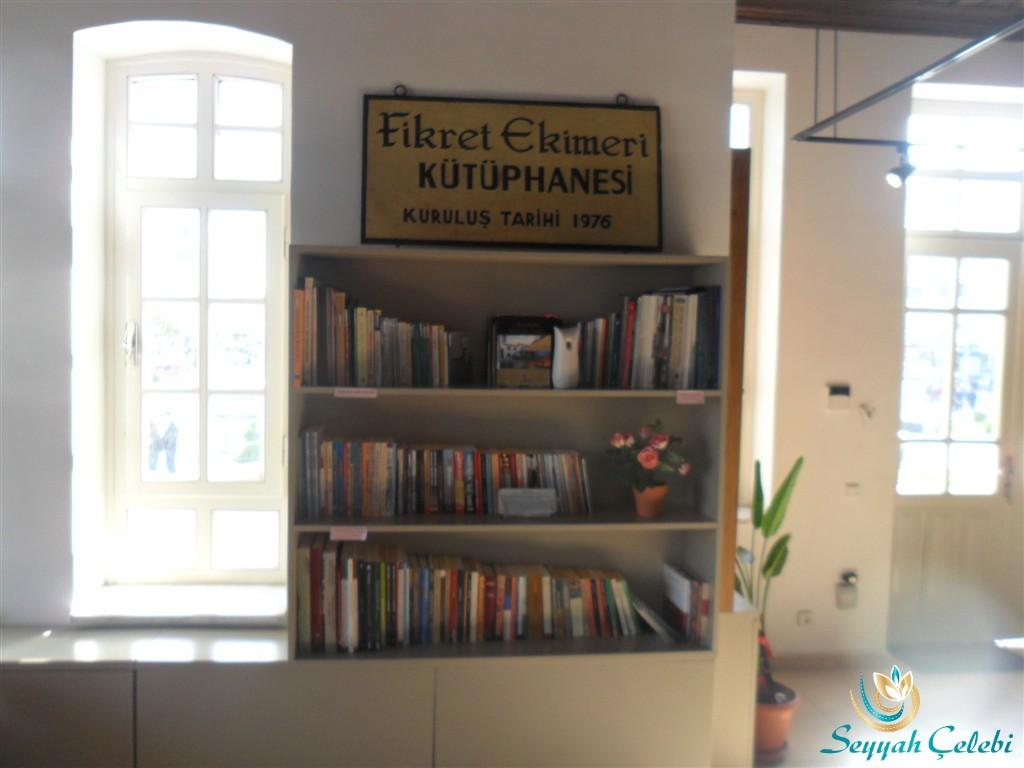 Yalova Kent Müzesi Fikret Ekimeri Kütüphanesi