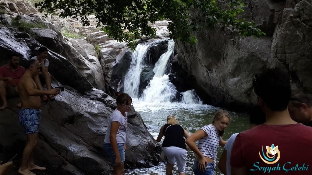 Orhaneli Sadağı Kanyonu Şelale