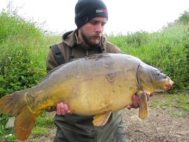 32lb 2oz Mirror Carp for Paul Rogers1