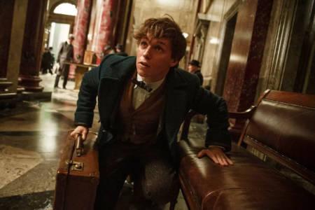 Fantastic Beasts: The Secrets of Dumbledore (Harry Potter universe movie: trailer).
