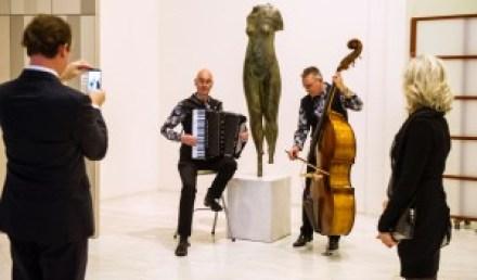 prachtige akoestiek in de hal van het Provinciehuis Maastricht