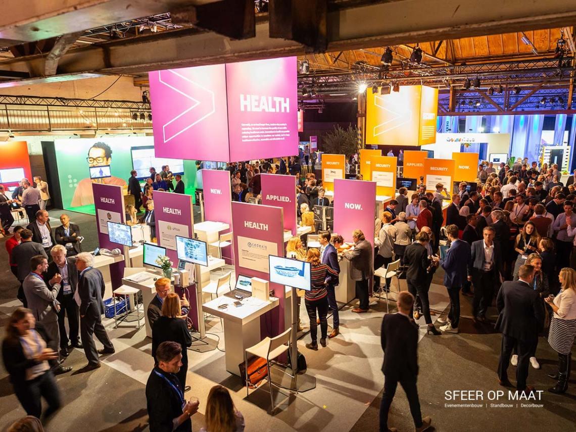 Accenture Innovatie Summit een jaarlijks evenement met Awards. Sfeer op Maat bouwde per categorie een eigen stand. Categorie Health