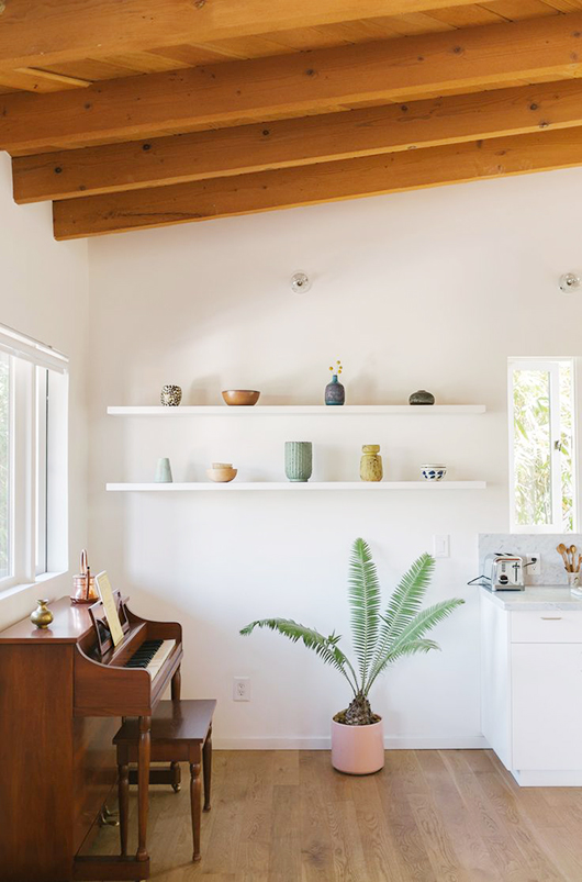 simply styled shelving space / sfgirlbybay