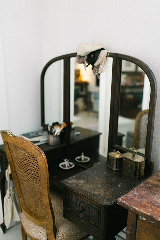 vanity with a vintage vibe / sfgirlbybay