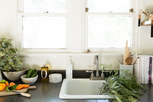 simple and chic kitchen sink / sfgirlbybay