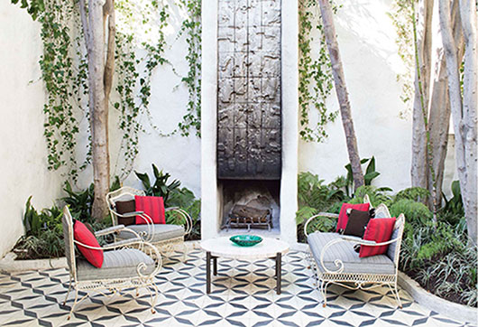black and white geometric tile floor in outdoor courtyard / sfgirlbybay