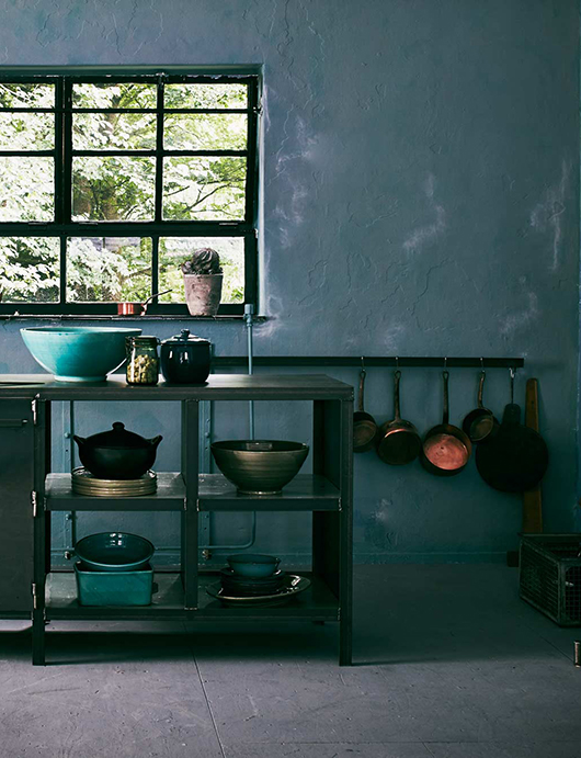 kitchen styled with green ceramic bowls / sfgirlbybay