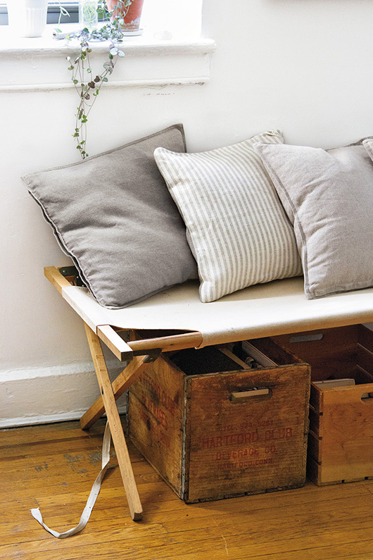 simple home decor featured in Simple Matters by Erin Boyle / sfgirlbybay