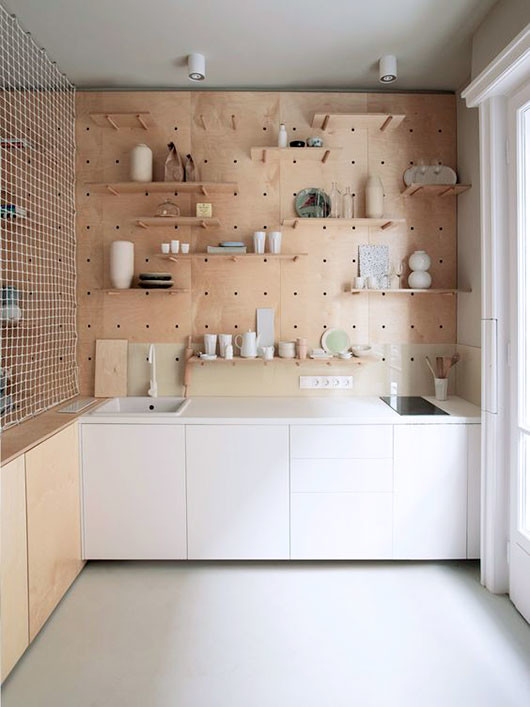 pegboard kitchen organizer wall via zeutch / sfgirlbybay