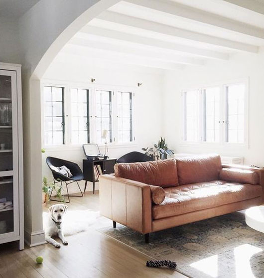 nude leather sofa, via utlralinx. / sfgirlbybay