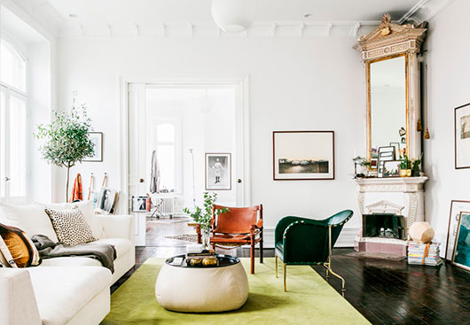 apartment with bright and cheerful color palette / sfgirlbybay