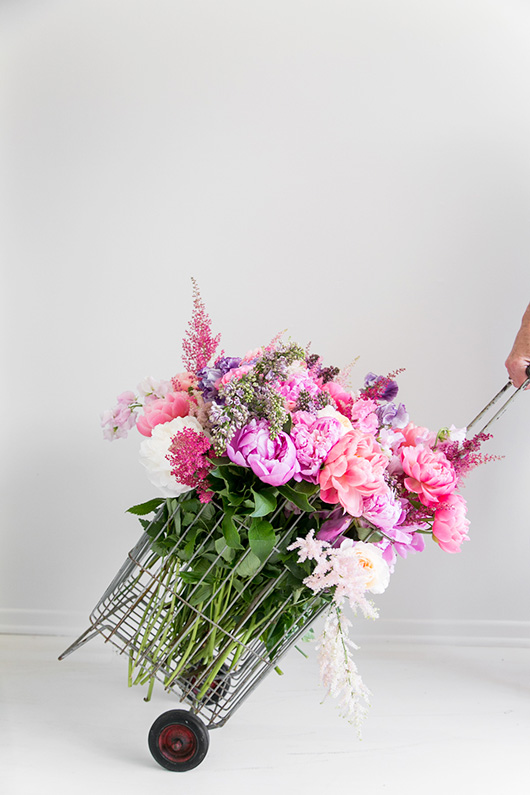 rolling cart filled with Flower Muse flowers. / sfgirlbybay