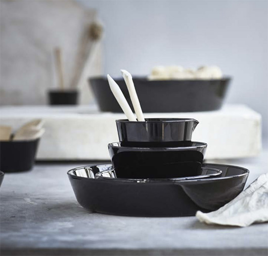black ceramic bowls from IKEA's new VIKTIGT collection. / sfgirlbybay
