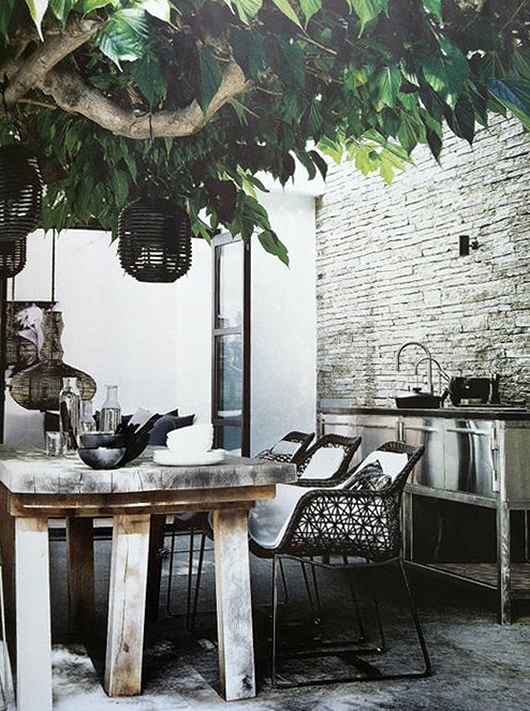 modern patio chairs with wood farm table and stainless steel outdoor kitchen. / sfgirlbybay