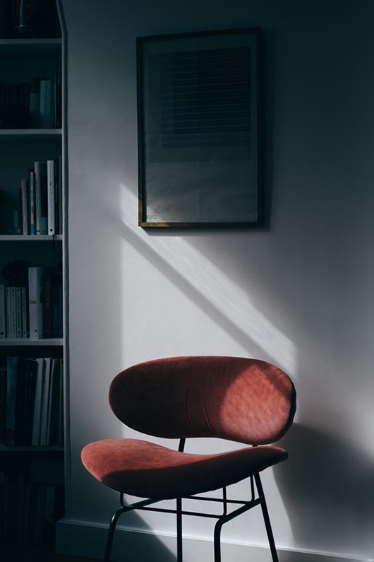 winter light on a red chair captured by scott hardy / sfgirlbybay
