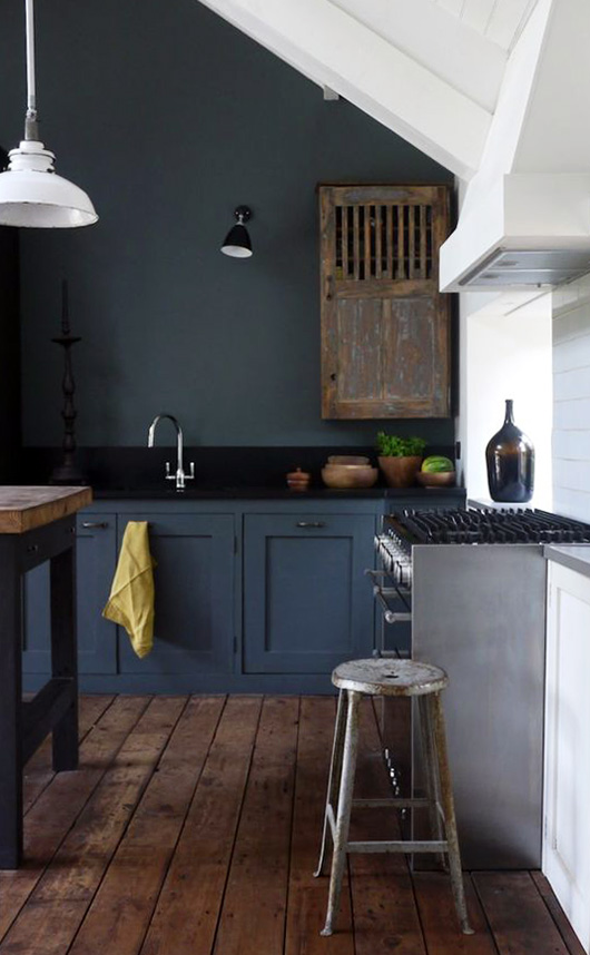 dark kitchen walls and cabinets / sfgirlbybay