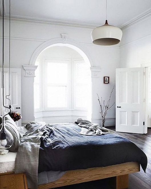 arched alcove of windows in modern bedroom. / sfgirlbybay