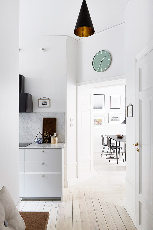 fantastic frank kitchen design with painted white floors and black accents. / sfgirlbybay