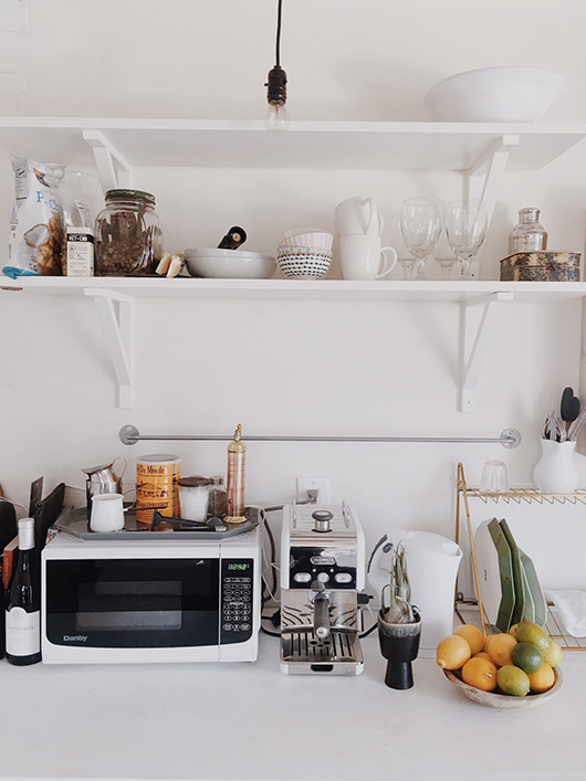 studio kitchenette decor. / sfgirlbybay