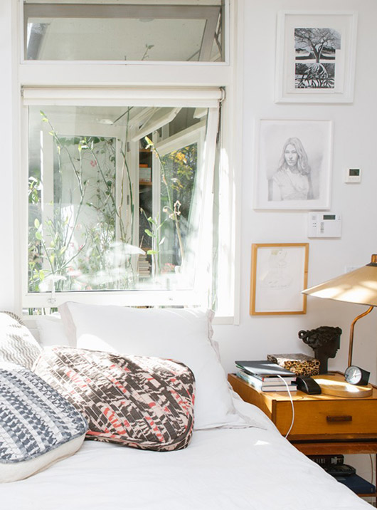 sunny bedroom of Liseanne Frankfurt in L.A. / sfgirlbybay