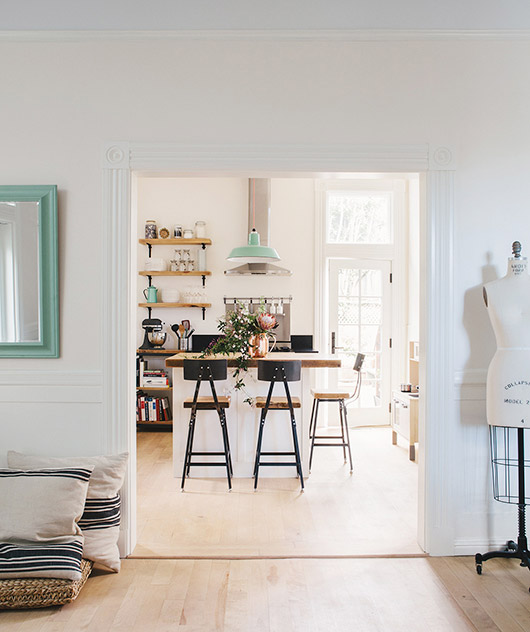 subtle pops of mint green decor. / sfgirlbybay
