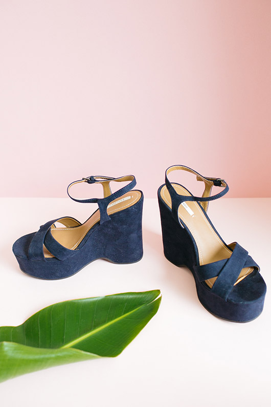 navy wedge women's sandals styled to sell on ebay. / sfgirlbybay